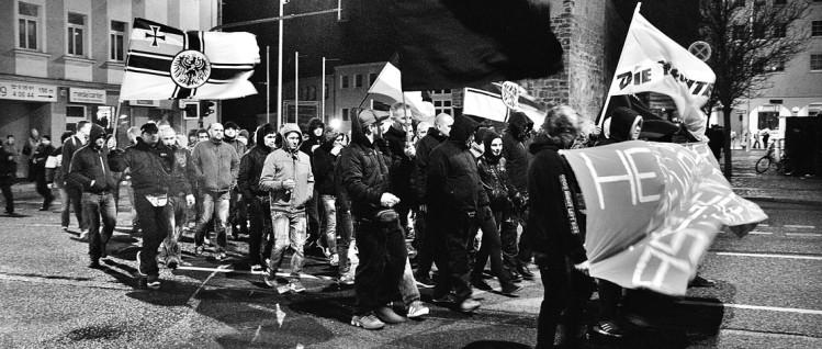 Schon lange gibt es Nazi-Aktivitäten in Bautzen. Hier ein Aufmarsch von ca. 400 Rechten am 4. Mai in Bautzen gegen Asylsuchende.  (Foto: /www.flickr.com/photos/110931166@N08/16063160257/in/photolist)