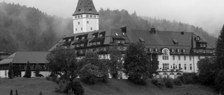 Schloss Elmau– noch ohne Sicherheitszaun und Polizeiaufgebot (Foto: Vitold Muratov / wikimedia.com / CC BY-SA 3.0)