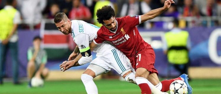 Eine spielentscheidende Szene: Ein brutales Foul mit Ansage, denn Salah war den Madrilenen zu gefährlich (Foto: imago/Newspix)