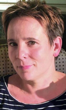 """Melanie Stitz ist in verschiedenen feministischen Zusammenhängen aktiv, unter anderem bei der Zeitschrift """"Wir Frauen"""" sowie engagiert im """"Düsseldorfer Bündnis für mehr Personal im Krankenhaus""""."""