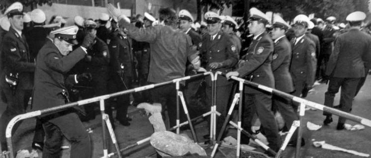 Straße frei für den Besuch des persischen Diktators (Foto: [url=https://www.flickr.com/photos/132468467@N06/17097187955/]Stiftung Haus der Geschichte[/url])