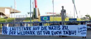 """Der Fan-Dachverband des Karlsruher SC mit rund 3000 Mitgliedern distanzierte sich deutlich vom """"Tag der deutschen Zukunft"""", den die NPD seit Jahren in Karlsruhe veranstaltet. (Foto: Rolf Bohrer)"""