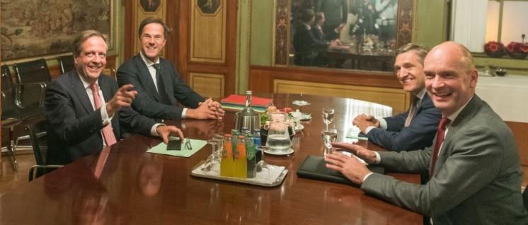 Mark Rutte und die Gruppenvorsitzenden von D66, CDA und ChristenUnie. (Foto: Tweede Kamer der Staten-Generaal)