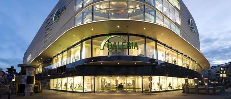 Schöne Fassaden reichen nach Auffassung von Betriebsräten bei Kaufhof nicht. Wer in einem Warenhaus einkauft, will auch eine entsprechende Beratung haben. (Foto: Galeria Kaufhof GmbH)