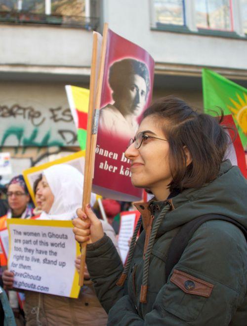 Für die Rechte der Frauen in den von Terroristen besetzten Gebieten Syriens