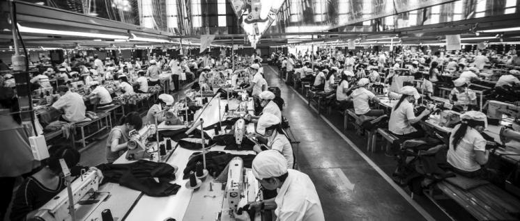 Der letzte Schritt in der Wertschöpfungskette: 900 Beschäftigte arbeiten in dieser Textilfabrik in Ho-Chi-Minh-Stadt. (Foto: ILO, Aaron Santos/flickr.com/(CC BY-NC-ND 2.0))