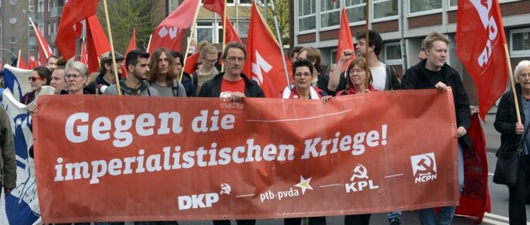 Rund 200 Kommunistinnen und Kommunisten aus fünf Ländern demonstrierten in Münster (Foto: Tom Brenner)