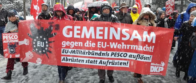 """Die DKP auf der """"Siko""""-Demonstration 2018 (Foto: Christoph Hentschel)"""