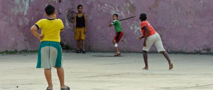 Fußball ist in Kuba kein Volkssport, Baseball dagegen schon. (Foto: [url=https://www.flickr.com/photos/14657061@N00/6561411325]advencap[/url])