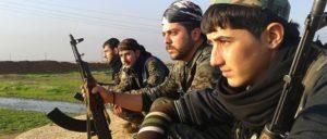 Kämpfer der kurdischen YPG: Im April lieferte sich die YPG in Qamishli Gefechte mit der syrischen Armee. (Foto: kurdishstruggle/flickr.com/ CC BY 2.0 (2))