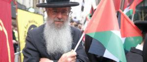 Weltweit protestierten Menschen gegen die Angriffe auf Gaza, hier in London. (Foto: [url=https://www.flickr.com/photos/alisdare/28192212288/]Alisdare Hickson/flickr.com[/url])