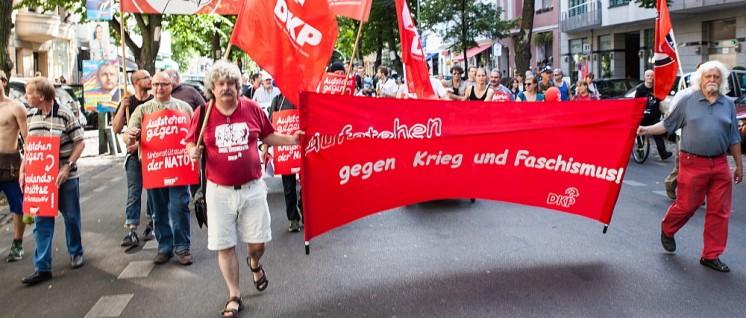 """Der Block der DKP bei """"Aufstehen gegen Rassismus"""""""