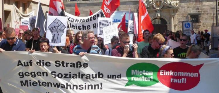 An einer Demonstration in Nürnberg für bezahlbare Mieten beteiligten sich am 14.Juli 300 Menschen. (Foto: privat)