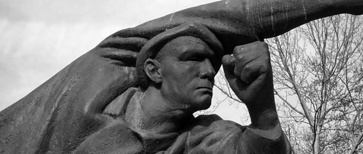 Denkmal für die deutschen Kämpferinnen und Kämpfer für die Spanische SRepublik von Fritz Cremer in Berlin-Friedrichshain (Foto: SpreeTom / wikimedia.org/ CC BY-SA 3.0)