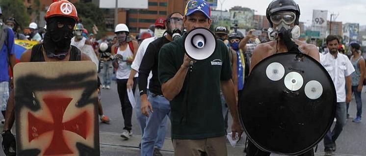 Hat seine Kampfgruppen nicht im Griff: Oppositionspolitiker Henrique Capriles (Mai 2017 in Caracas) (Foto: AVN)