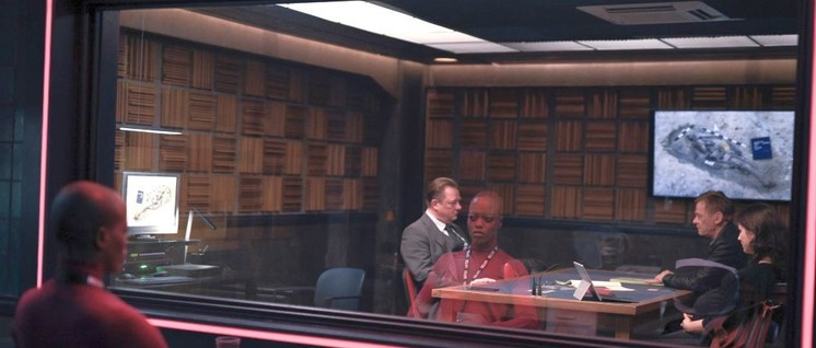Szene aus einer deutschen Episode von Criminal mit Peter Kurth (l.) und Sylvester Groth (Foto: © Netflix)