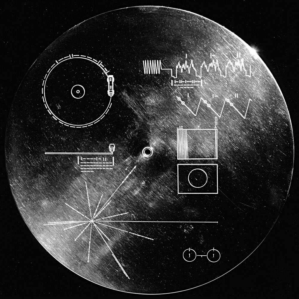 Vergoldete Platte der Voyager-2-Sonde.