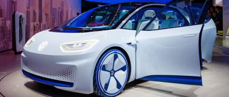 2017 setzt Volkswagen auf sein neues Elektroauto VW I.D. Der ID.3 emittiert 12 Tonnen CO2, bevor er zum ersten Mal gestartet wird. (Foto: [url=https://www.flickr.com/photos/30478819@N08/37421551665/in/photostream/]Marco Verch[/url])