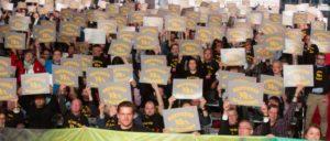 Ein deutliches Zeichen setzten die Delegierten des Bundeskongresses der IG Metall. (Foto: IGM)