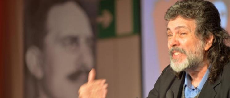 Abel Prieto, ehemaliger Kulturminister in Kuba und enger Berater Fidel Castros, auf der diesjährigen Rosa-Luxemburg-Konferenz. (Foto: Tom Brenner)