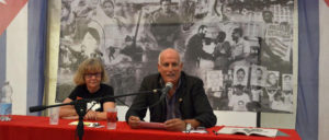 Ramón Ignacio Ripoll Díaz, Botschafter der Republik Kuba und Petra Wegener, Vorsitzende der Freundschaftsgesellschaft BRD-Kuba. (Foto: Tom Brenner)