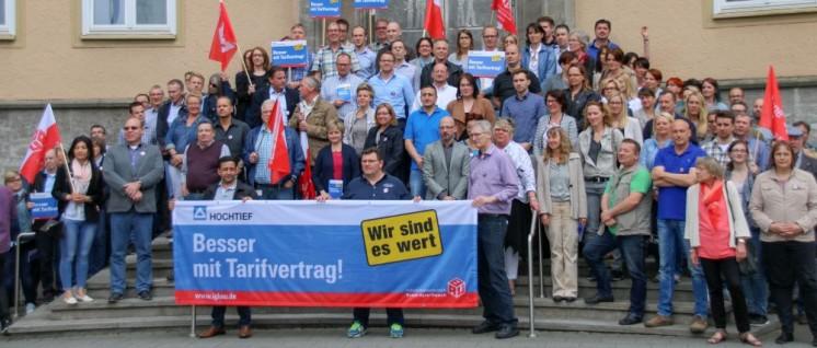 Die Belegschaft von Hochtief kämpft um den neuen Tarifvertrag (Foto: Peter Köster)