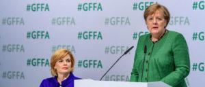 Merkel und Klöckner verteidigen ihre haarsträubende Klimapolitik. (Foto: Messe Berlin GmbH / Volkmar Otto)
