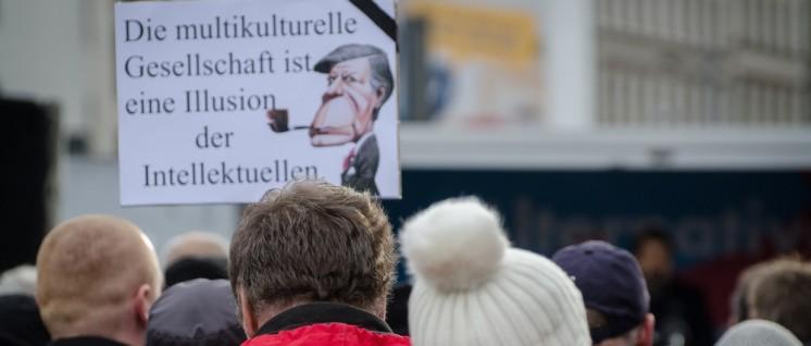 18.11.2015 – AFD Kundgebung und Gegenproteste Leipzig (Foto: Caruso Pinguin/flickr.com/CC BY-NC 2.0)
