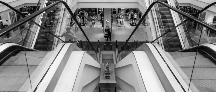 Rolltreppe abwärts für Kaufhof. Hauptgrund für die Verluste sind die hohen Mieten. (Foto: [url=https://www.flickr.com/photos/pavdw/32867586624] Paul VanDerWerf/flickr.com[/url])