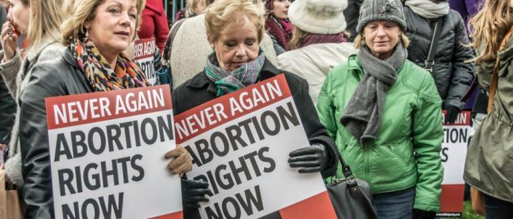 Verteidigt die Gesundheit von Frauen! Demonstration für die Legalisierung von Abtreibungen in Dublin. (Foto: [url=https://www.flickr.com/photos/infomatique/8194477198] William Murphy/flickr.com[/url])
