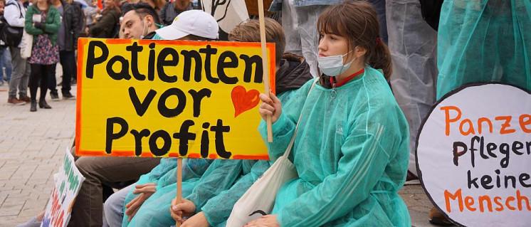 Hamburg: Demonstration für die Volksabstimmung für mehr Krankenhauspersonal (Foto: Andrea Hackbarth / r-mediabase.eu)
