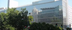 """Weltbank in Washington, garantiert """"menschenrechtsfreie Zone"""". (Foto: AgnosticPreachersKid, commons wikimedia)"""