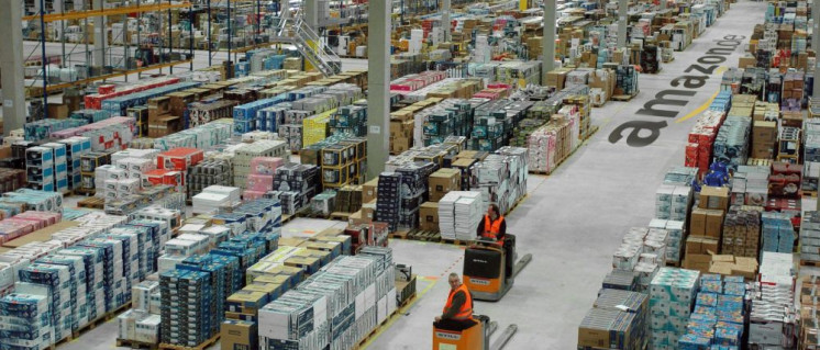 Das Logistikzentrum von Amazos in Leipzig besteht seit 2006. Die Lagerkapazität beträgt rund 75000 Quadratmeter. (Foto: © 1998–2017, Amazon.com, Inc. oder Tochtergesellschaften)