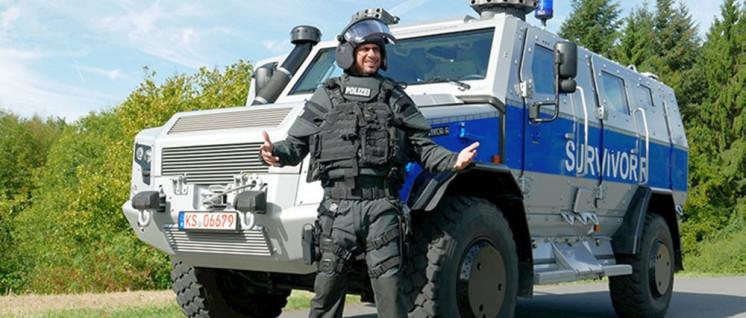 """Die Polizei in Sachsen rüstet auf: Der """"Survivor R"""" von Rheinmetall als Sondereinsatzfahrzeug (Foto: Rheinmetall)"""