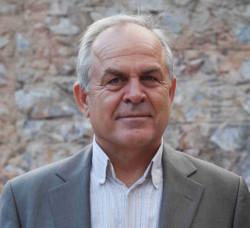 Jeden Spielraum ausnutzen, um Politik im Interesse des Volkes zu machen: Ilias Stamelos, Kommunist, Bürgermeister des Athener Vororts Kesariani.