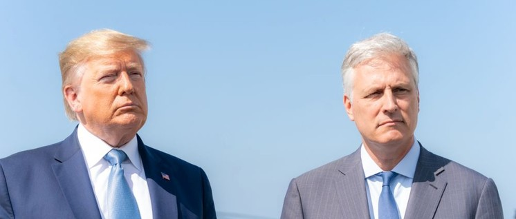 Damit man weiß wie der Neue aussieht: rechts O'Brien (Foto: Official White House Photo by Shealah Craighead)