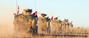 Türkische Truppen auf dem Vormarsch bei Manbidsch in Nordsyrien (Foto: U.S. Army Photo/SPC Arnada Jones)