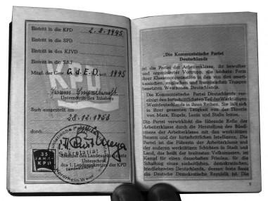 KPD-Parteibuch von Erwin Engelbrecht