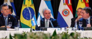 Auf jeden Fall ein Contra: Der nicht-gewählte Präsident Brasiliens, Michel Temer, beim Mercosur-Treffen in Mendoza, Argentinien (21. Juli 2017) (Foto: [url=https://www.flickr.com/photos/micheltemer/35324129773] Michel Temer/ flickr.com[/url])