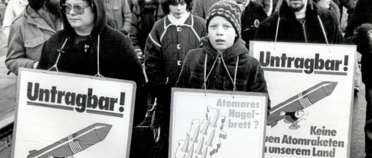 1981, Hamburg, Sternmarsch gegen die Stationierung neuer Atomraketen   (Foto: UZ-Archiv)