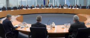 Die Geheimdienstchefs vor dem Parlamentarischen Kontrollgremium (Foto: Achim Melde / bundestag.de)