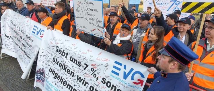 Mit kämpferischen Aktionen setzte Ende 2016 die EVG einen Tarifvertrag mit Wahlmodell durch. (Foto: EVG)