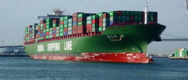 Bald vorbei?: Chinesische Lieferung im Hafen von San Pedero, Kalifornien (Foto: [url=https://www.flickr.com/photos/michaelrperry/6044277113] Michael R Perry[/url])