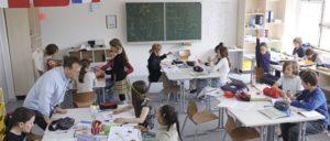 ver.di fordert mehr Geld für die Einstellung zusätzlicher Lehrkräfte, damit die Schulklassen kleiner werden können. (Foto: [url=https://commons.wikimedia.org/wiki/File:Unterricht.jpg]Metropolitan School[/url])