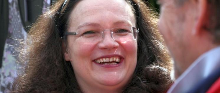 Andrea Nahles– das Quietsche-Entchen der SPD (Foto: [url=https://www.flickr.com/photos/spd-sh/8741081032/] SPD Schleswig-Holstein/flickr.com[/url])