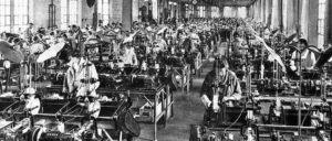 Eine Hochschule der Arbeiterbewegung: Fabriksaal eines Nürnberger Werks des Siemens-Konzerns in der Weimarer Republik