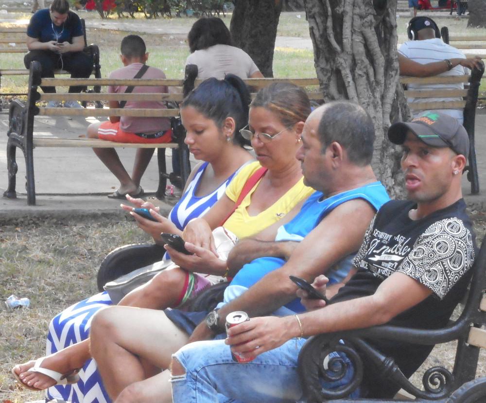 Inzwischen gibt es 3,5 Millionen Smartphones auf Kuba– mit den entsprechenden Folgen für die Kommunikation