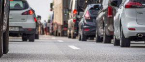 Nach dem Willen der Automobilkonzerne sollen mehr Neuwagen auf unsere Straßen (Foto: Petra Bork / pixelio.de)