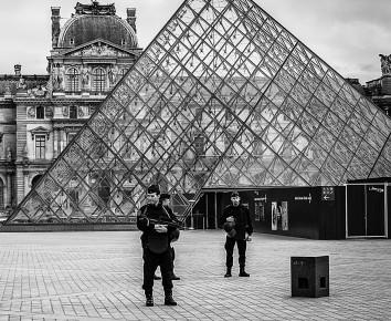 Polizei und Militär in Paris nach dem Terroranschlag