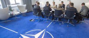 Treffen des NATO-Generalsekretärs Stoltenberg mit der bundesdeutschen Verteidigungsministerin von der Leyen. (Foto: NATO)